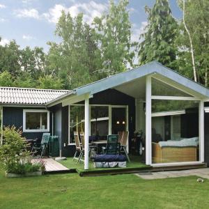 Photos de l'hôtel: Holiday Home Idestrup with Fireplace 02, Bøtø By