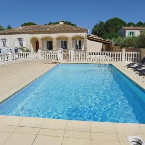 Hotel Pictures: Holiday home Castillon-du-Gard UV-1300, Saint-Bonnet-du-Gard