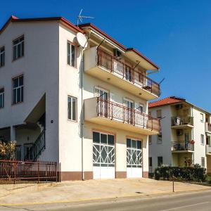 Zdjęcia hotelu: Three-Bedroom Apartment in Kastel Novi, Kaštela