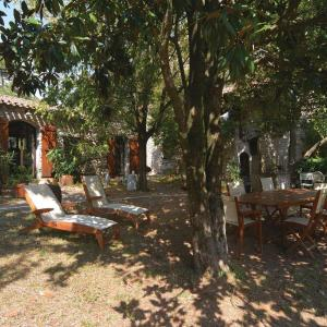 Hotel Pictures: Studio Holiday Home in Peyremale, Peyremale