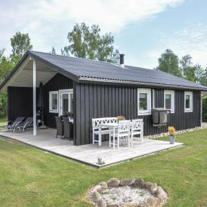 Hotel Pictures: Holiday home Lærkemose I, Skovby