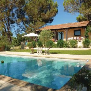 Hotel Pictures: Four-Bedroom Holiday Home in Saint-Siffret, Saint-Siffret