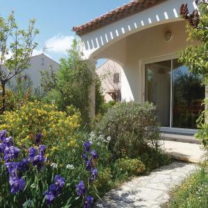 Hotel Pictures: Four-Bedroom Holiday Home in Marseillan, Marseillan