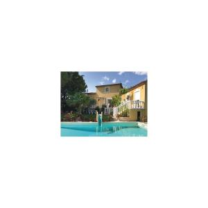 Hotel Pictures: Three-Bedroom Holiday Home in Baillargues, Baillargues