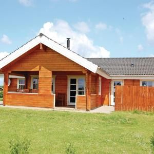 Hotel Pictures: Holiday home Sydals 16 with Hot tub, Skovby
