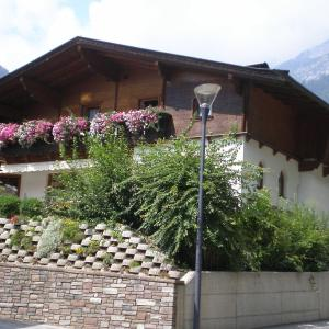 Hotellikuvia: Haus Straninger, Mils bei Hall
