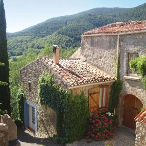 Hotel Pictures: Two-Bedroom Holiday Home in Fenouillet, Fenouillet