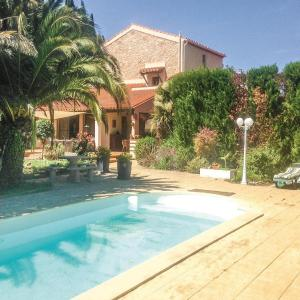 Hotel Pictures: Studio Holiday Home in Saint Feliu d'Amont, Taillet