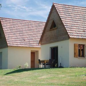 Hotel Pictures: Three-Bedroom Holiday Home in Lacapelle-Marival, Lacapelle-Marival