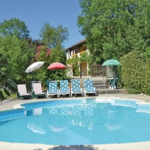 Hotel Pictures: Holiday home Ginouillac UV-1196, Ginouillac