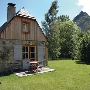 Hotel Pictures: Holiday Home Arrens d'Azun with Fireplace 07, Arrens-Marsous