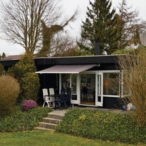 Hotel Pictures: Two-Bedroom Holiday home Bogø By with Sea View 01, Bogø By