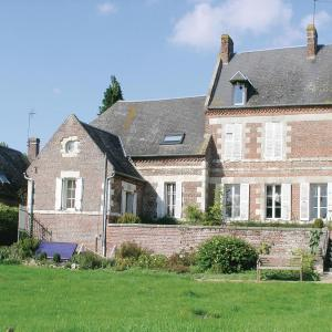 Hotel Pictures: Holiday home Housset *LXI *, La Neuville-Housset