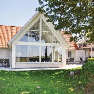 Hotel Pictures: Three-Bedroom Holiday Home in Ebberup, Helnæs By