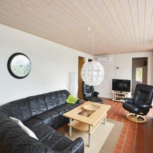 Hotel Pictures: Holiday home Knebel QR-1757, Ørby