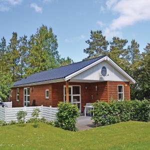 Hotel Pictures: Holiday home Fjordparken Farsø X, Lovns