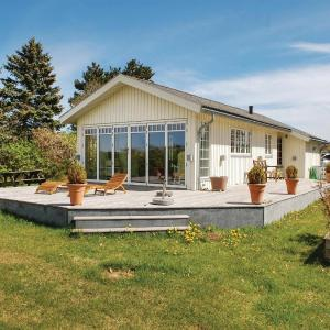 Hotel Pictures: Three-Bedroom Holiday Home in Knebel, Knebel