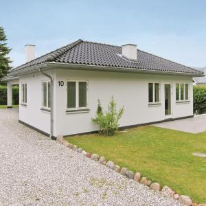 Hotel Pictures: Holiday home Perikumvej Egå X, Skæring