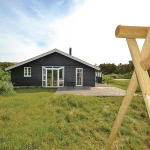 Fotos do Hotel: Three-Bedroom Holiday Home in Fano, Fanø