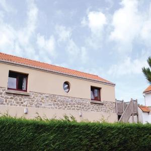 Hotel Pictures: Apartment Wimereux CD-1075, Le Courgain