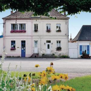 Hotel Pictures: Holiday Home Bouber Sur Canche Bis Place General De Gaulle, Boubers-sur-Canche