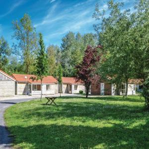 Hotel Pictures: Two-Bedroom Holiday Home in Auxi le Cheteau, Lannoy