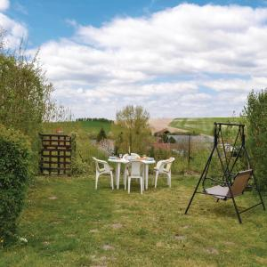 Hotel Pictures: Three-Bedroom Holiday Home in Auxi le Chateau, Auxi-le-Château