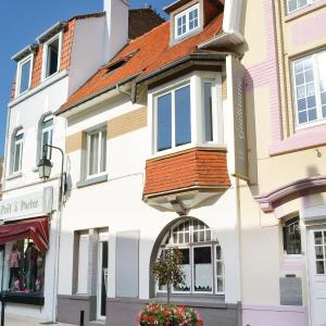 Hotel Pictures: Apartment Rue Serpente K-818, Étaples