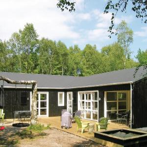 Hotel Pictures: Holiday home Enebærvænget Hadsund II, Odde