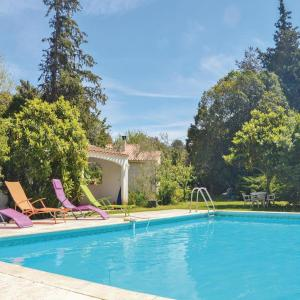 Hotel Pictures: Two-Bedroom Holiday Home in Miramas, Miramas