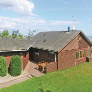 Hotel Pictures: Holiday home Halvrebene Hadsund, Als