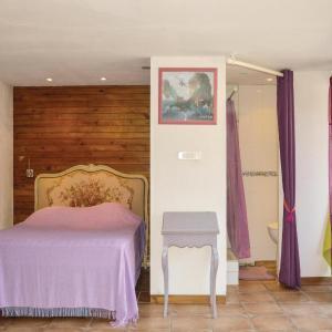 Hotel Pictures: Four-Bedroom Holiday Home in Roquefort la Bedoule, Roquefort-la-Bédoule
