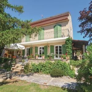 Hotel Pictures: Holiday Home Velaux II, Velaux