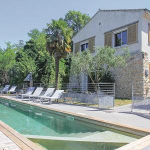 Hotel Pictures: Four-Bedroom Holiday Home in Malataverne, Malataverne
