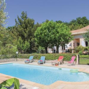 Hotel Pictures: Three-Bedroom Holiday home Montelimar with a Fireplace 04, Montélimar