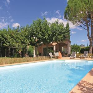 Hotel Pictures: Four-Bedroom Holiday Home in Montelimar, Montélimar