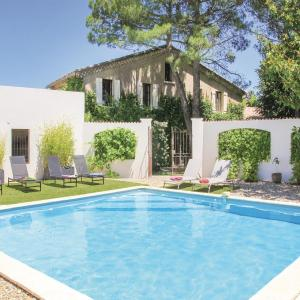 Hotel Pictures: Studio Holiday Home in Montelimar, Montélimar