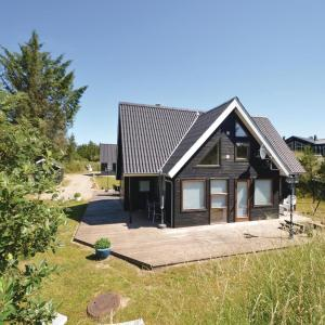 Hotel Pictures: Four-Bedroom Holiday Home in Blokhus, Blokhus