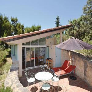 Hotel Pictures: Holiday Home Le Barroux Chemin De La Coste, Le Barroux