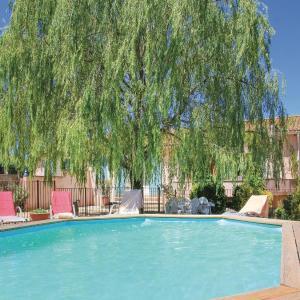 Hotel Pictures: Holiday home Mormoiron KL-954, Mormoiron