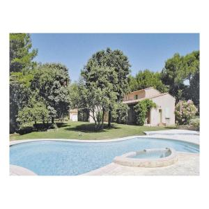 Hotel Pictures: Holiday home Saumane QR-951, Saumane-de-Vaucluse