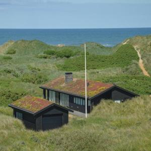 Hotelbilleder: Three-Bedroom Holiday Home in Lokken, Løkken