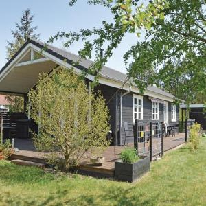 Hotel Pictures: Holiday Home Farvang with Fireplace I, Fårvang