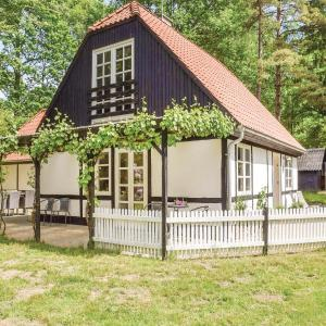 Hotel Pictures: Holiday Home Silkeborg with Fireplace I, Silkeborg