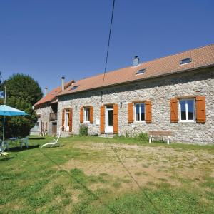 Hotel Pictures: Studio Holiday Home in Burzet, Burzet