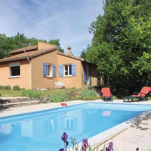 Hotel Pictures: Holiday Home Mayres - 02, Mayres