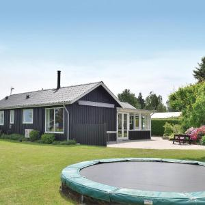 Hotel Pictures: Holiday Home Juelsminde with Fireplace II, Sønderby
