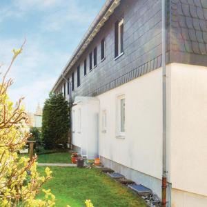 Hotel Pictures: Three-Bedroom Apartment Schlesische 02, Sankt Andreasberg