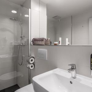 Hotel Pictures: Serways Hotel Bruchsal West, Forst