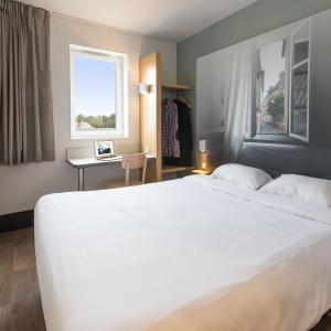 Hotel Pictures: B&B Hôtel Angers 2 Université, Beaucouzé